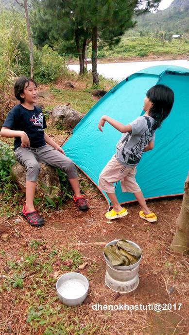 dhenok-ayam-dingin-segar-camping5