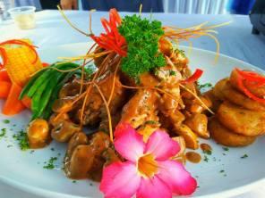 Ayam Bakar Saus Jamur, recipe of the day dari Chef Iyan. Resepnya ada di website ini.